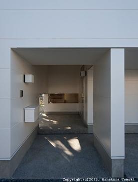 小倉の家の部屋 玄関アプローチ