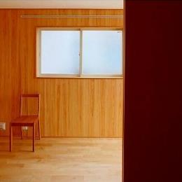 窓はある家 (多目的ルーム)