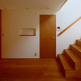 窓はある家 (廊下・ホール)
