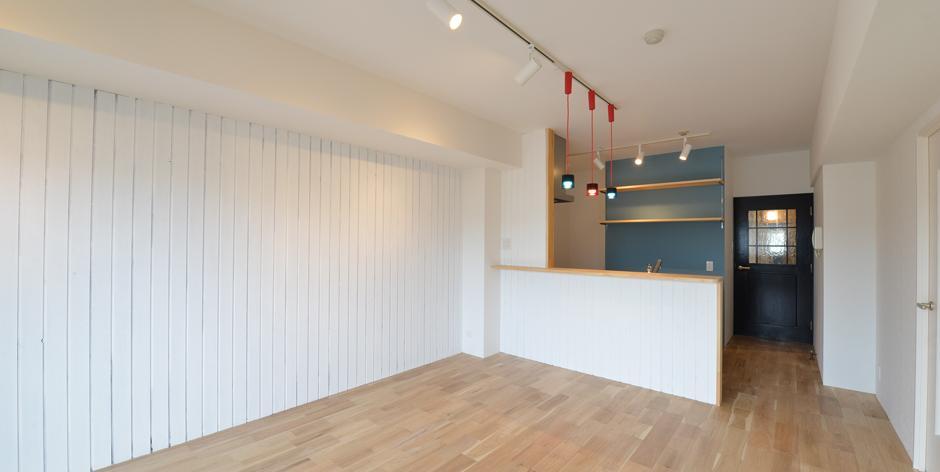 三大銘木ウォールナットの快適空間作り「Beach Style リノベーション」