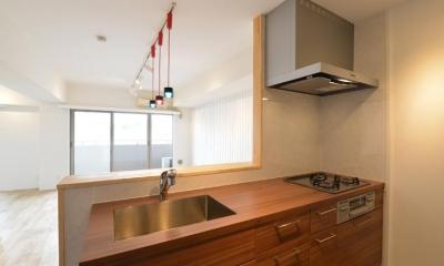 キッチン|三大銘木ウォールナットの快適空間作り「Beach Style リノベーション」