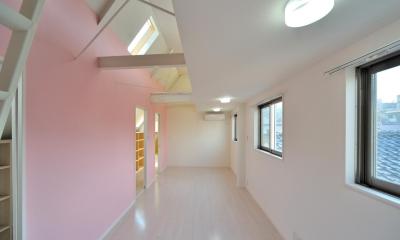 W邸-都心に建つ瀟洒な二世帯住宅-東京・神楽坂 (3F子供室(ロフトあり))