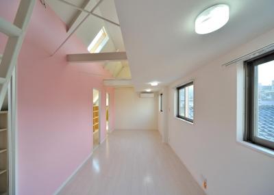 3F子供室(ロフトあり) (W邸-都心に建つ瀟洒な二世帯住宅-東京・神楽坂)