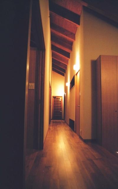 廊下 (うすきの家-時がゆったりと流れる家-大分・臼杵)