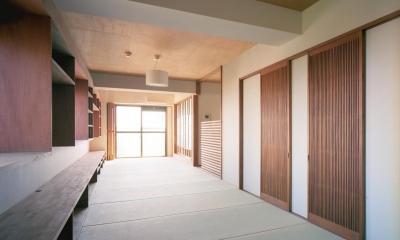 旅館のくつろぎを自宅で感じる家:『東京都府中市M邸』 (アンティーク建具を使った畳部屋)