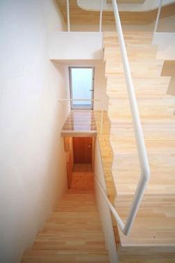 ミニマムハウス te-houseの部屋 階段(撮影:永石写真事務所)
