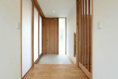 玄関1 (趣味を楽しむ土間の家)