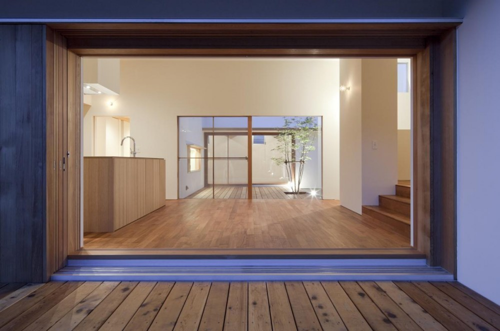 高浜の家 (居間)
