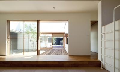 高浜の家/中庭を囲む平屋の住まい (子供室)