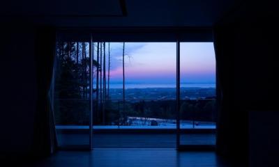 Y7-house「海の見えるセカンドハウス」 (リビングダイニング)