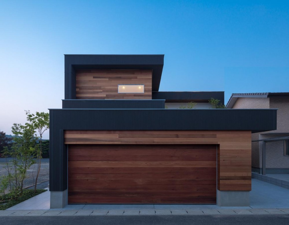 M4-house「重なり合う家」 (外観)