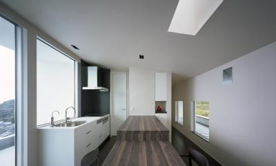 I-house「水平線の家」 (キッチン)