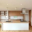 趣味を楽しむ土間の家の写真 対面式キッチン・書斎コーナー