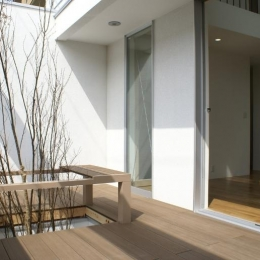 SA邸 (モダンな雰囲気の中庭)