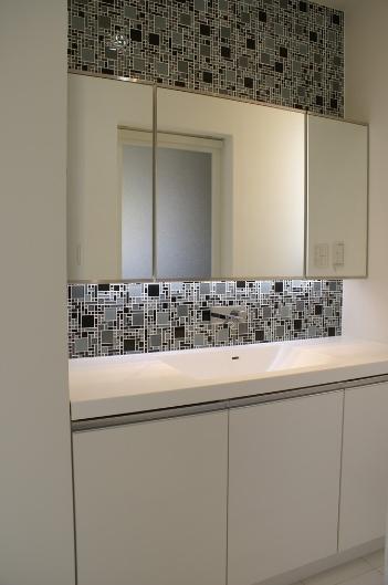 SA邸の部屋 ラグジュアリーな洗面所