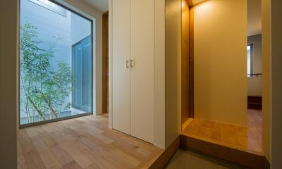 N10-house「グリッドの家」 (玄関ホール)