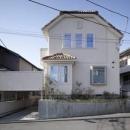 空中テラスのある家の写真 外観(日中)