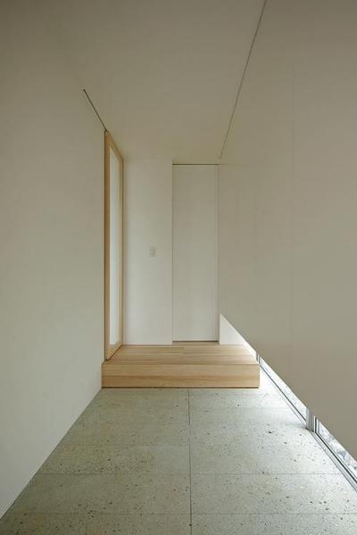 玄関 (平尾の家)
