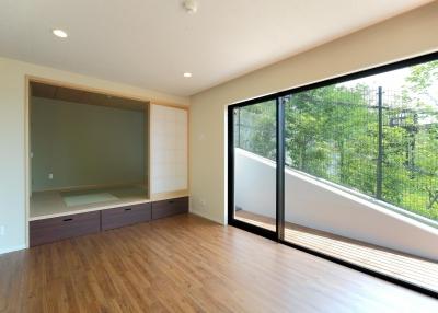 主寝室 (傾斜地の家1)