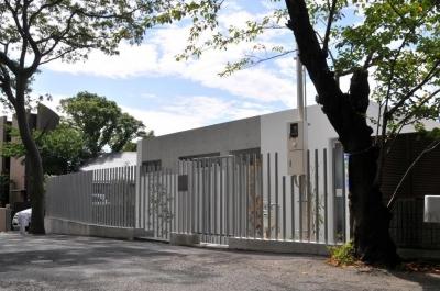 傾斜地の家2 (北側道路外観1)