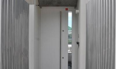 傾斜地の家2 (エントランスアプローチ)