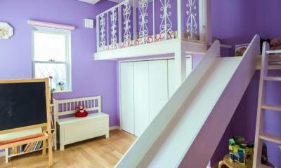 子供部屋|モダンな暮らし、美しい「白」を基調とした家