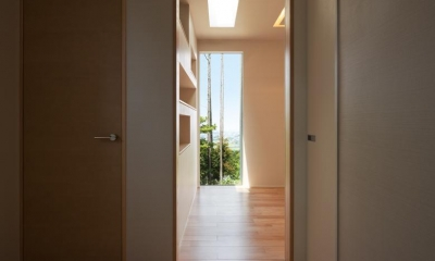 Y7-house「海の見えるセカンドハウス」 (玄関)