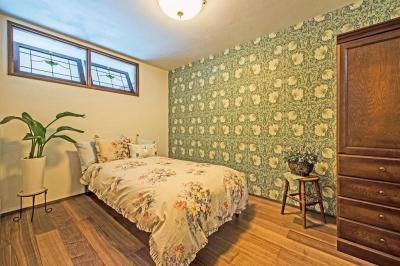 ベッドルーム (アンティークな大人の空間 マンションリノベーション)