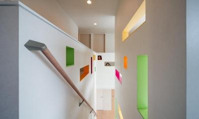 H-house「走り回る家」 (階段)