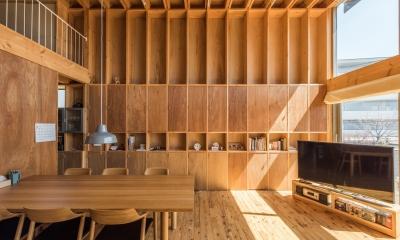 本棚でできた住宅|74/100 木箱・白鷺