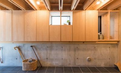 玄関ホール|74/100 木箱・白鷺