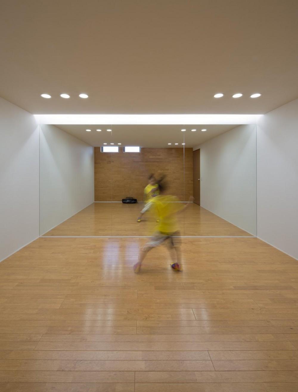 K5-house「スローライフの家」 (地下ーダンスホール)