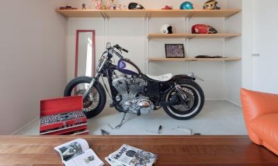 I-house「水平線の家」 (バイク整備室)