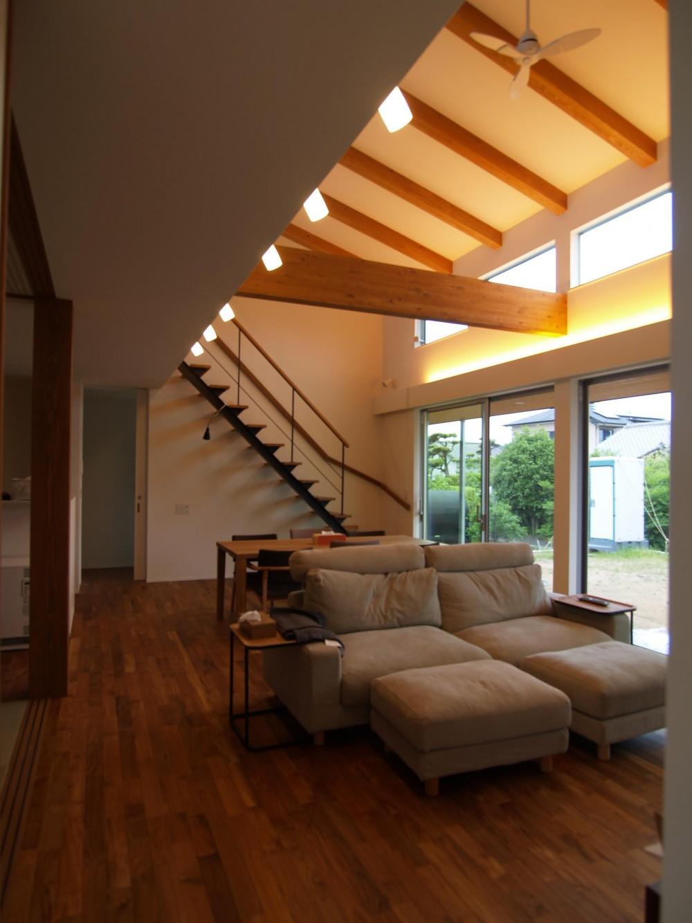 建築家:岩本 愛「右松の家」