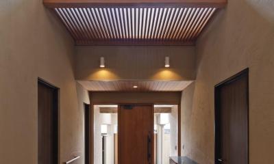 右京の家#アール階段のある広々としたリビング (吹抜けの玄関-その2)
