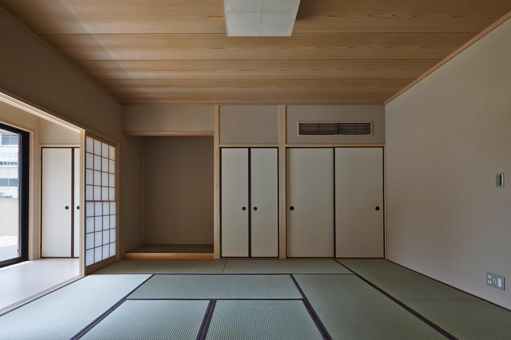 右京の家 (十畳の和室)