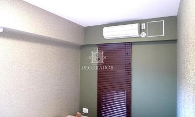 新築であってもどんどん壁紙張り替えちゃいます! (ホテルのような落ち着いた寝室)