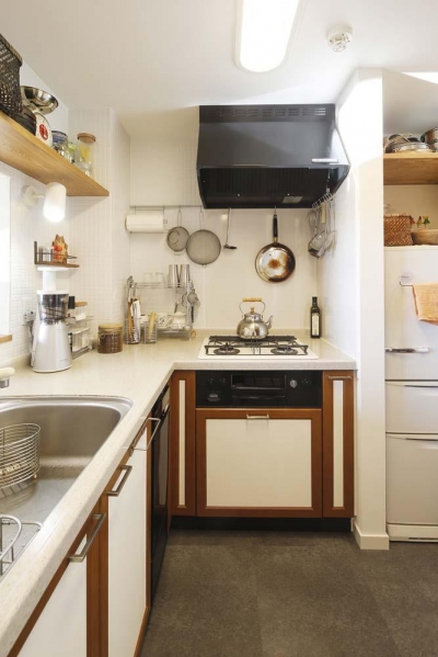 キッチン2 (H邸・白のハーモニーで作る二人のこだわり空間)