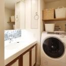 H邸・白のハーモニーで作る二人のこだわり空間の写真 洗面所