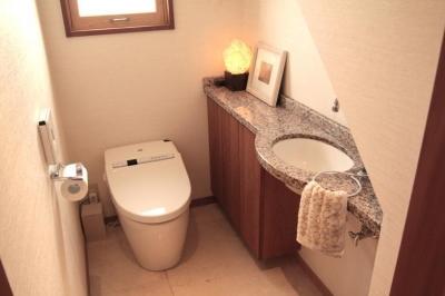 1階のトイレ (池田自邸)