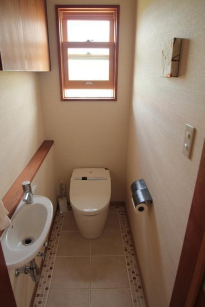 2階のトイレ (池田自邸)