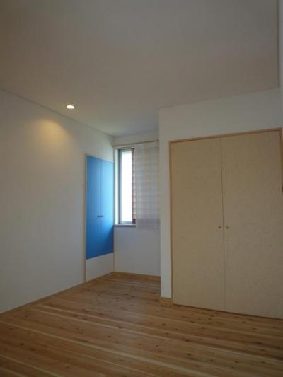個人住宅 神奈川県 2014 (マグネット黒板の扉)