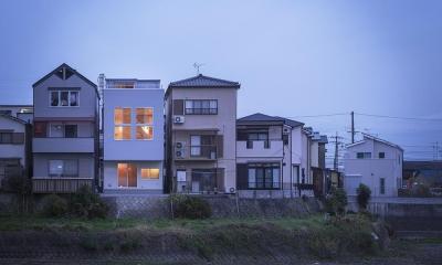 狭山の家:屋上テラスのある狭小住宅