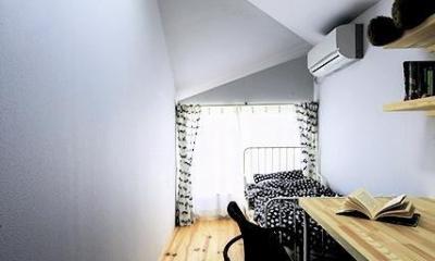 宝塚の家:大阪の注文住宅 地下1階地上3階建て住宅 (子供部屋)