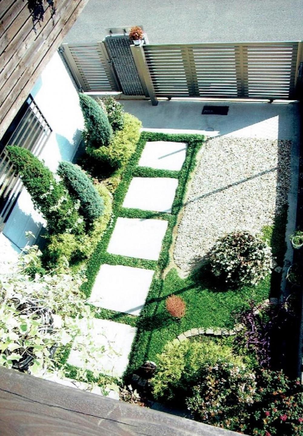 家族のびのび大空間:自然素材の家 (ガーデニング)