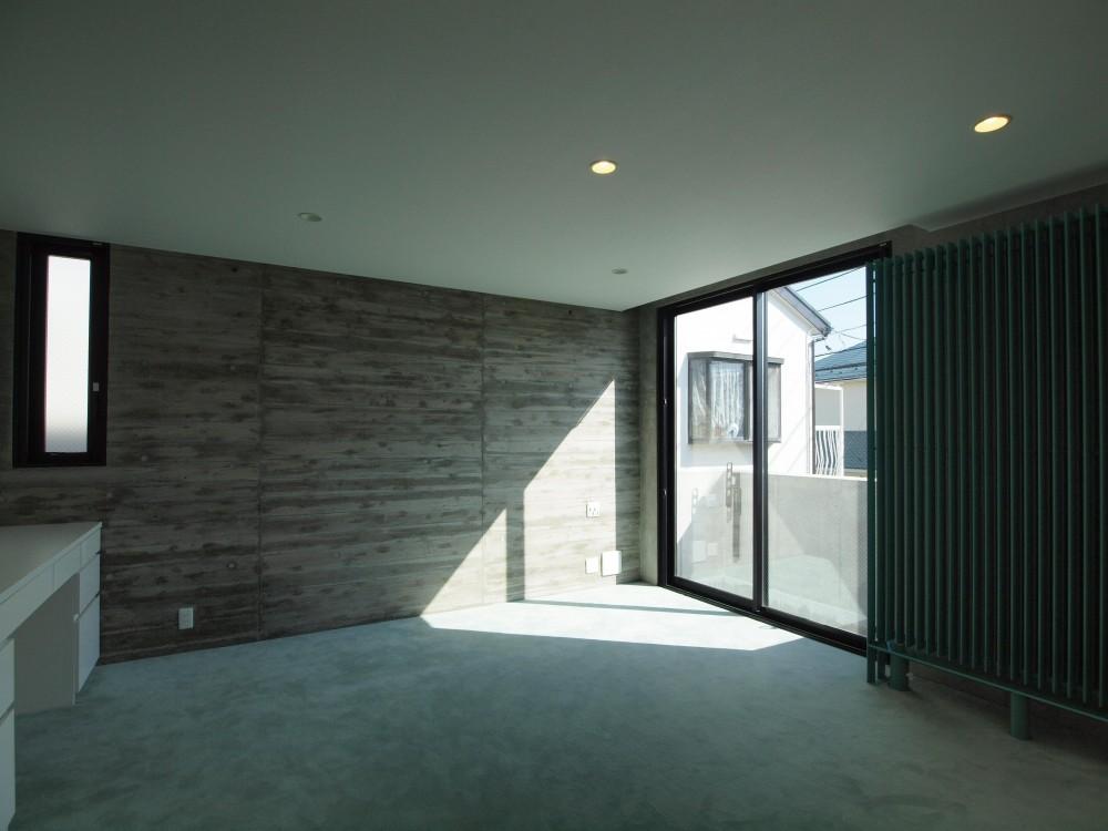 IM-HOUSE (寝室)