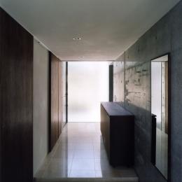 新宿の住宅 NIS (エントランス)