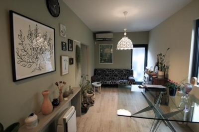 池田の家:狭小間口の木造3階建て住宅 (リビングダイニング)