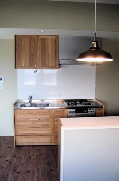 池田の家:狭小間口の木造3階建て住宅 (キッチン)
