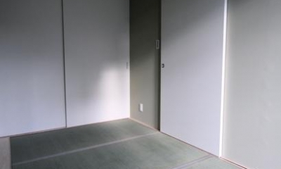 池田の家:狭小間口の木造3階建て住宅 (和室)